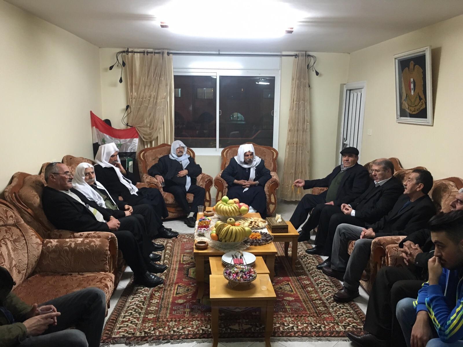 Photo of وفد من اللجنة الوطنية للتواصل يهنيء بتحرير الاسير ماجد الشاعر