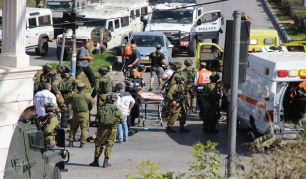 Photo of إصابة جندي إسرائيلي بعملية طعن قرب الخليل