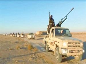 """Photo of وحدات من الجيش ..تحبط محاولة إرهابيي """"داعش"""" التسلل إلى طريق خناصر- أثريا وتدمر لهم رتل سيارات بمن فيها بدير الزور"""