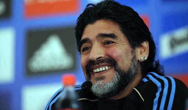 Photo of مارادونا: ما فعله ميسي وسورايز إهانة