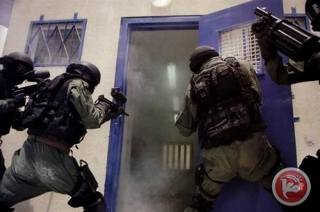 Photo of اصابات بينها خطيرة باقتحام سجن نفحة