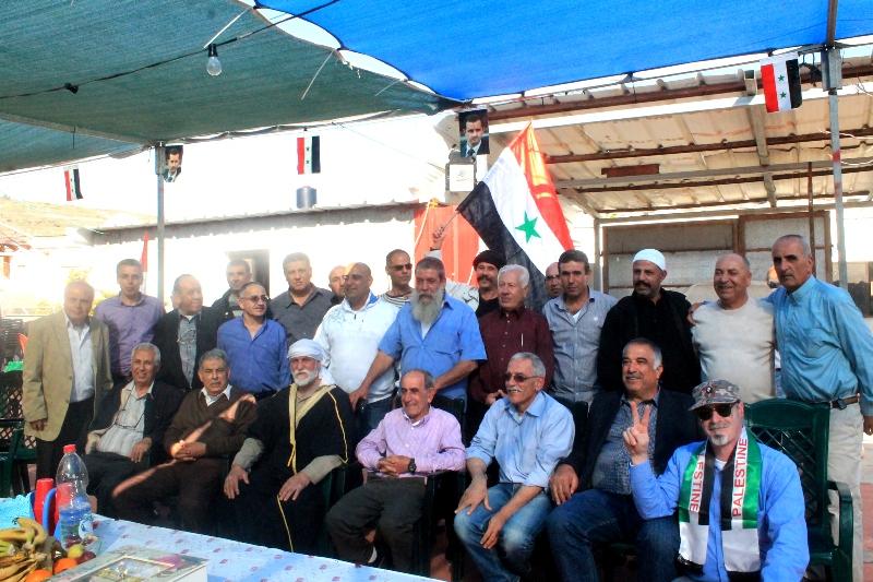 Photo of وفد من اللجنة الشعبية للتضامن مع سورية وقيادتها الوطنية يصل الجولان مهنئا بالاسير شام شمس