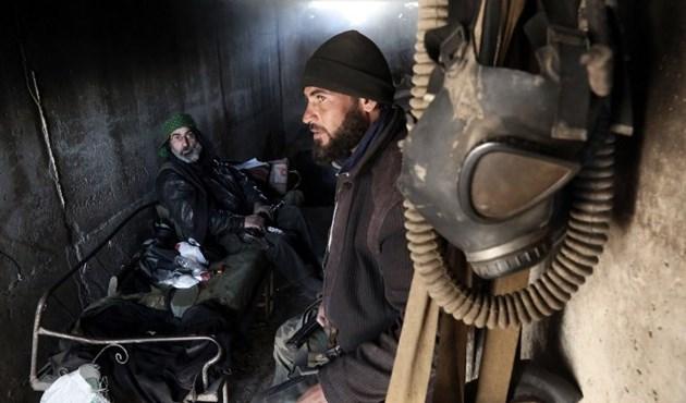 Photo of الجيش السوري وحلفاؤه يطلقون هجوماً معاكساً لاستعادة الزارة في ريف حماة