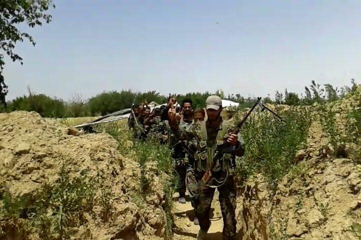 Photo of الجيش يتقدم بتدمر ويكبد إرهابيي داعش خسائر بريف السويداء