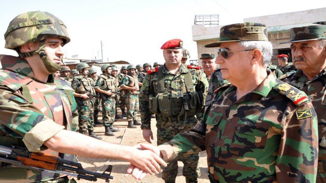 Photo of Lt. Gen. Ayyoub inspects army units operating in Deir Ezzor and its countryside