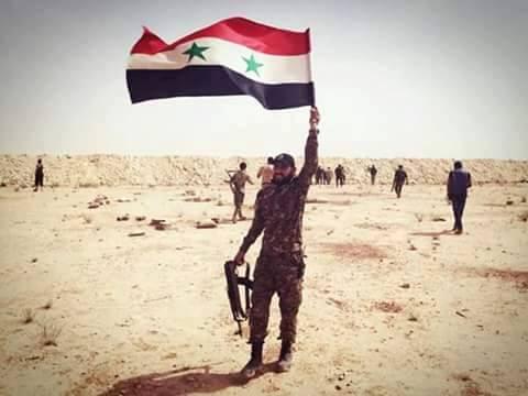 Photo of كيلومترات قليلة تفصل الجيش عن مدينة الطبقة