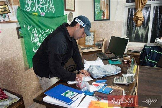 Photo of صدمه في حماس:قيادي بالقسام يسلم نفسه لمخابرات اسرائيل ومعه جهاز لاب توب وخرائط للانفاق