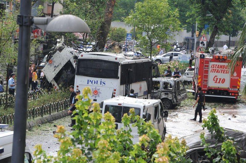 Photo of مقتل 4 وإصابة العشرات بتفجير في ماردين التركية