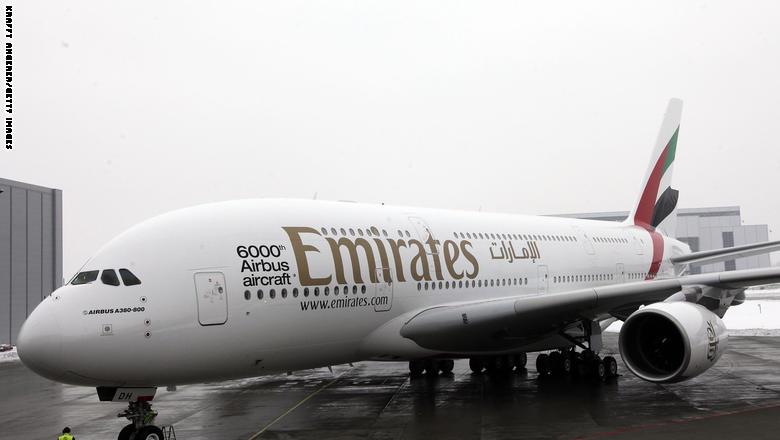 """Photo of مراهق صيني تسلل داخل طائرة لطيران الإمارات ليُكوّن ثروته في دبي.. بـ""""الشحاذة"""""""
