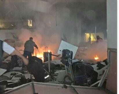 Photo of عشرات الضحايا بهجوم انتحاري على مطار أتاتورك باسطنبول