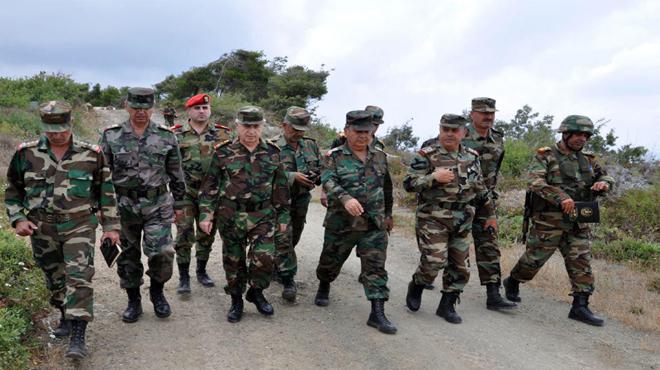 Photo of بتوجيه من الرئيس الأسد.. العماد أيوب يتفقد وحدات قواتنا العاملة في ريف اللاذقية