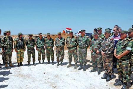 Photo of وزير الدفاع يزور نقاط عسكرية بالمنطقة الجنوبية