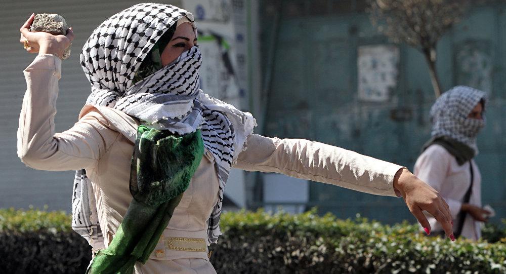 Photo of فلسطينية تطعن مجندة إسرائيلية