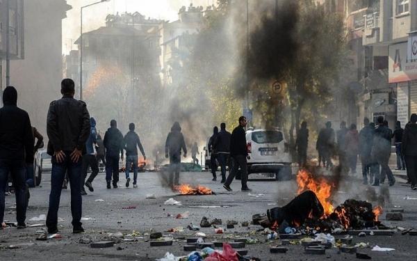 Photo of مقتل 5 جنود أتراك بانفجار ناسفة جنوب شرق تركيا