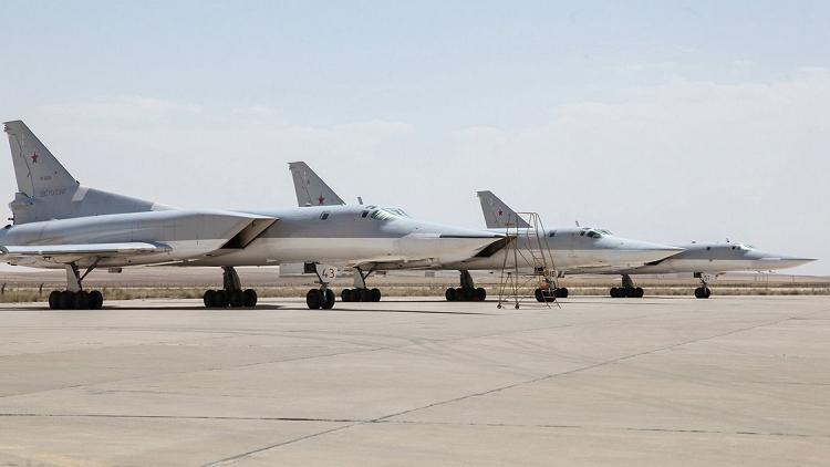 "Photo of وزارة الدفاع الروسية تؤكد نشر قاذفات ""تو – 22ام3"" و ""سو-34"" في إيران"
