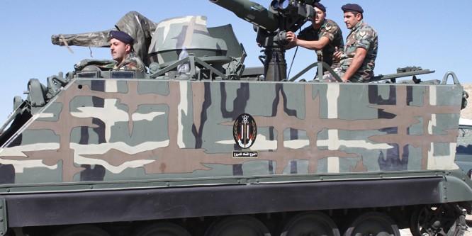 الجيش اللبناني يقصف داعش قرب الحدود