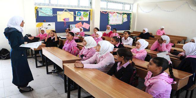 Photo of الاونروا تفتح مدرسة لها بالسيدة زينب