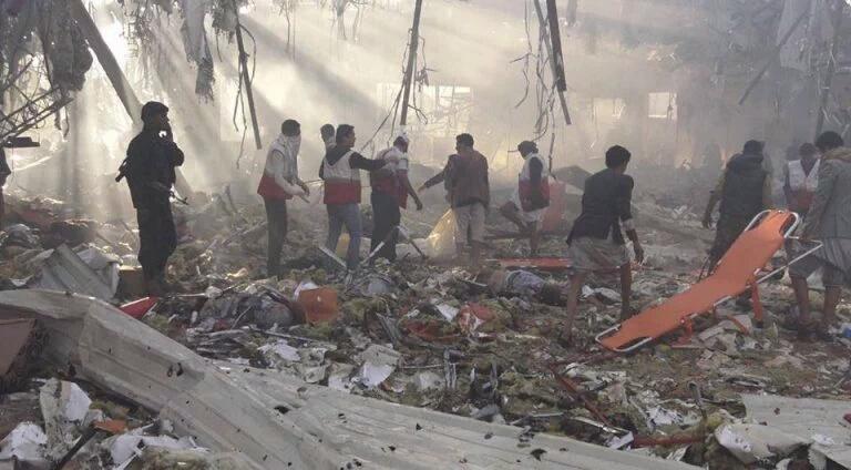 Photo of أل سعود يقتلون ٤٥٠ مدنياً باليمن