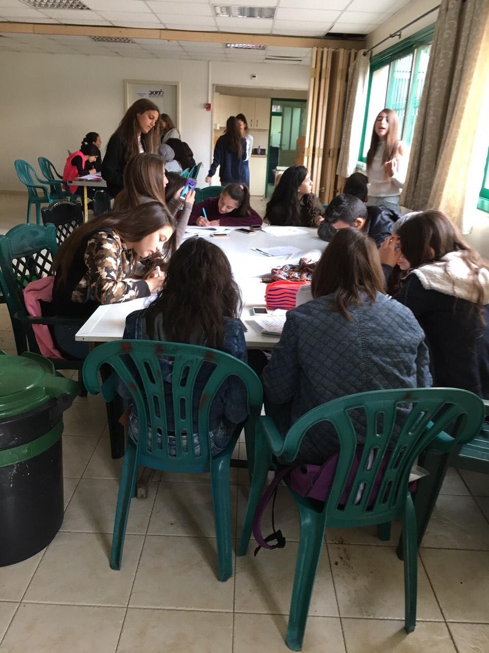 Photo of استمرار اضراب الطلاب لليوم الرابع وبيت الشعب مدرسة بديلة