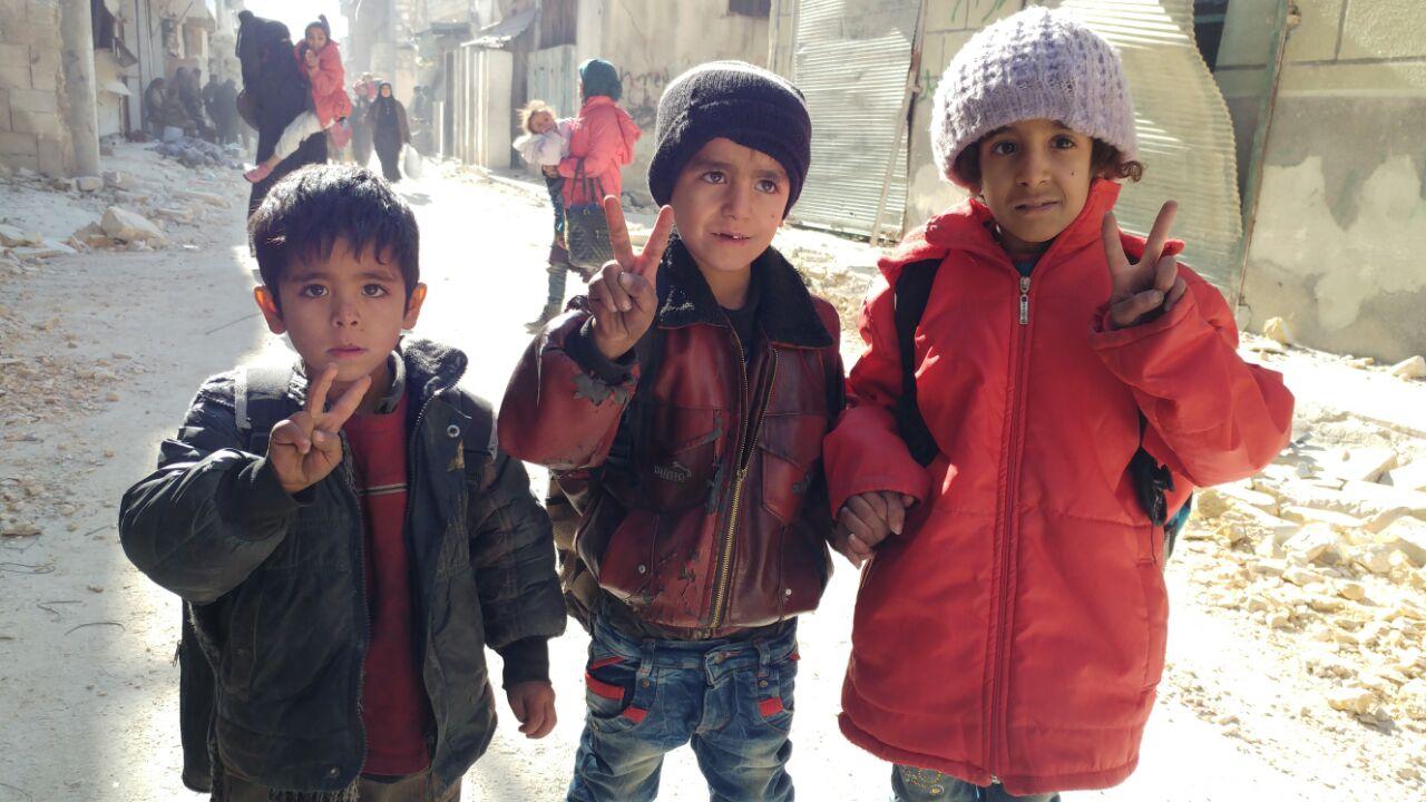 Photo of بالصور- هروب المدنيين من الإرهابيين