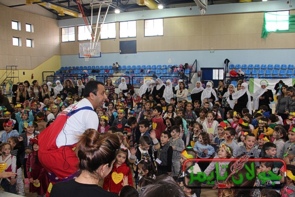 Photo of روضات بقعاثا تقيم مهرجان التفاح في القاعة الرياضية