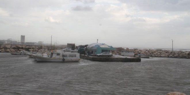 Photo of إغلاق ميناء طرطوس وبانياس