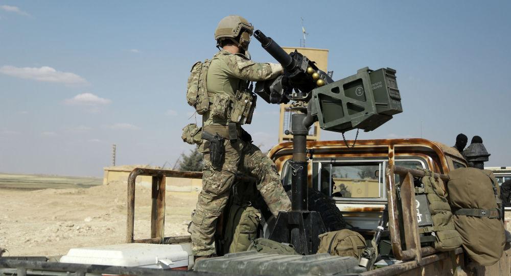 Photo of امريكا تربط قرار رفع حظر الاسلحة بالرقة