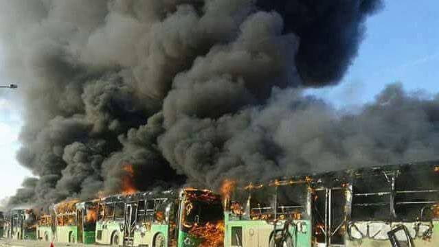 Photo of إرهابيوا إدلب يحرقون باصات كفريا والفوعة