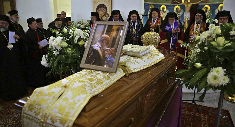 "Photo of جنازة رسمية لمطران القدس ""كبوجي"""