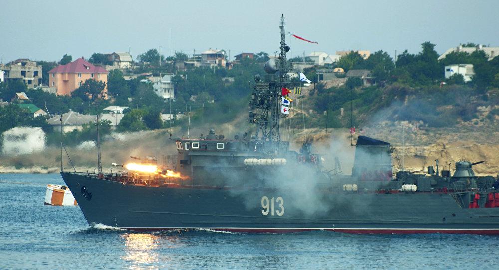 Photo of ١١ سفينة روسية بطرطوس
