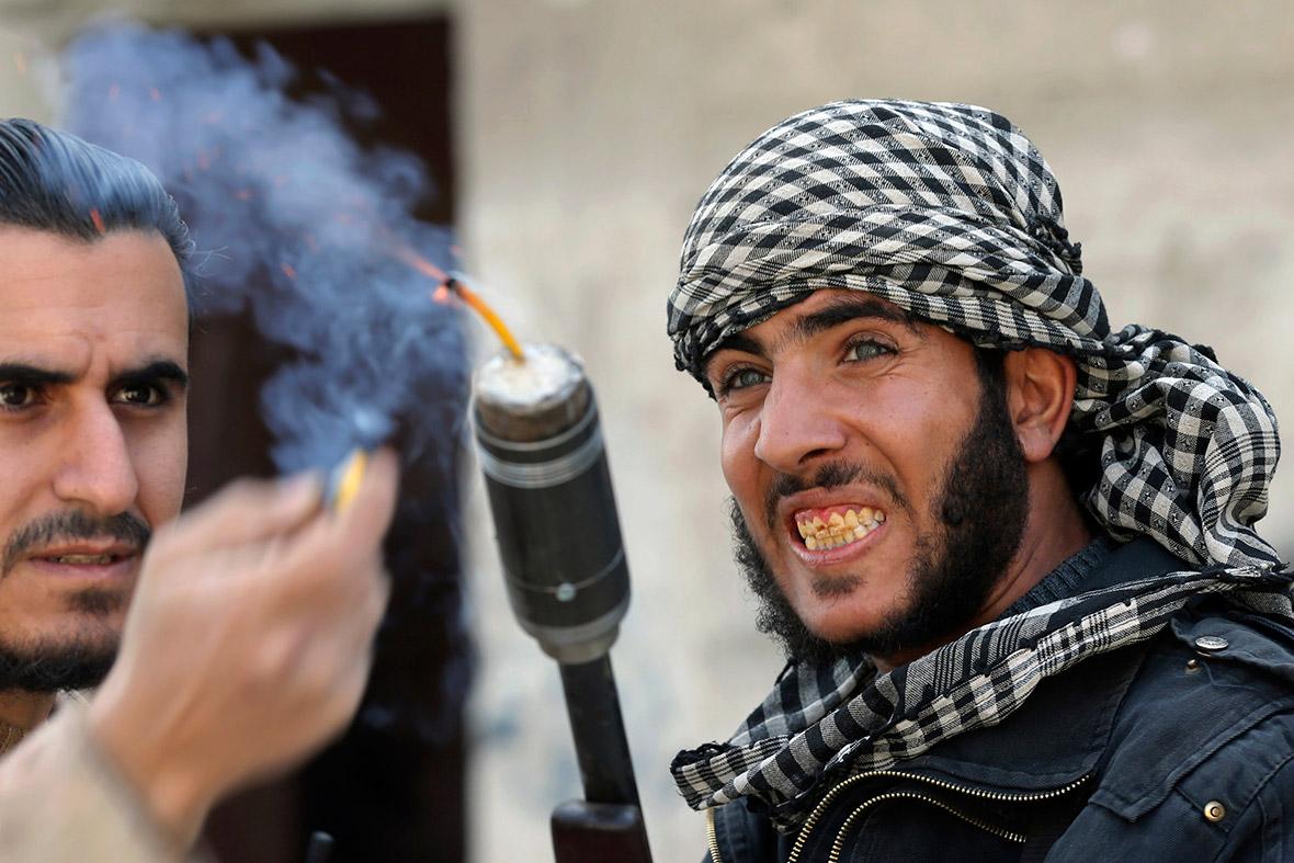 Photo of حشود عسكرية للإرهابيين بادلب