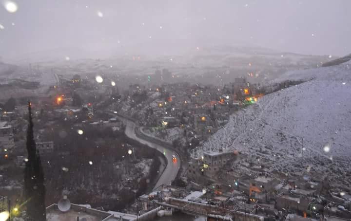 Photo of الثلوج تغطي دمشق