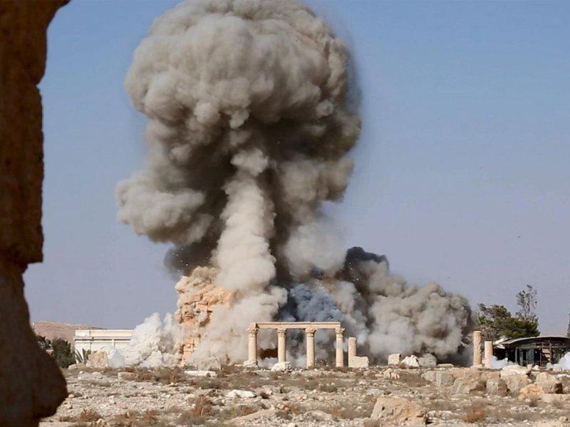 Photo of داعش تدمر أثار جديدة بتدمر
