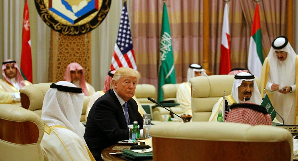 ترامب يلتقي شيوخ الخليج و يوجه بمواجهة التطرف الاسلامي!