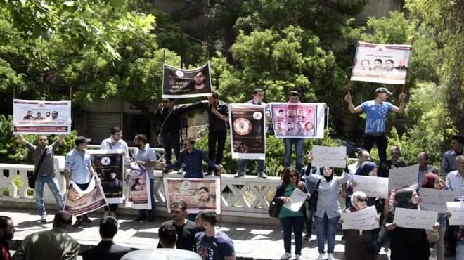 Photo of قفة تضامنية مع الاسرى الفلسطينين بدمشق