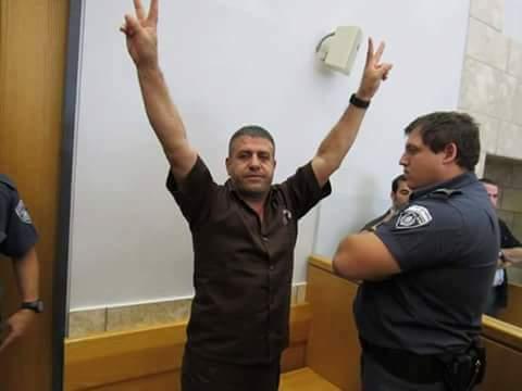 "Photo of الاحتلال ينقل عميد الاسرى "" صدقي المقت"" الى سجن النقب"