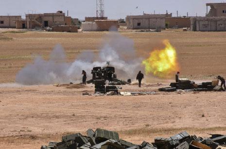 Photo of الجيش يؤمن محيط تدمر ويسيطر على أهم مناجم الفوسفات