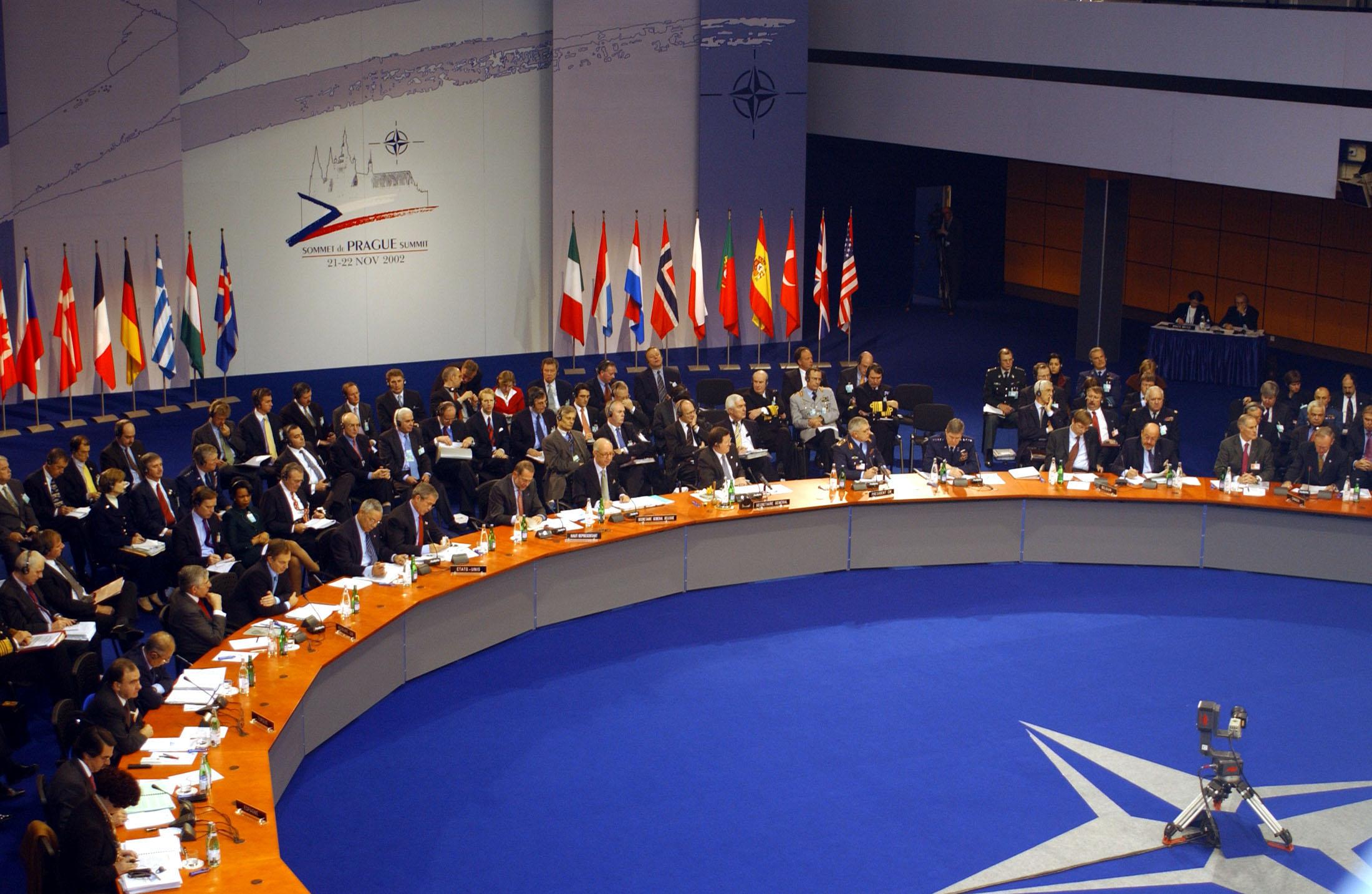 Photo of الناتو: لن نحارب في سوريا أو العراق