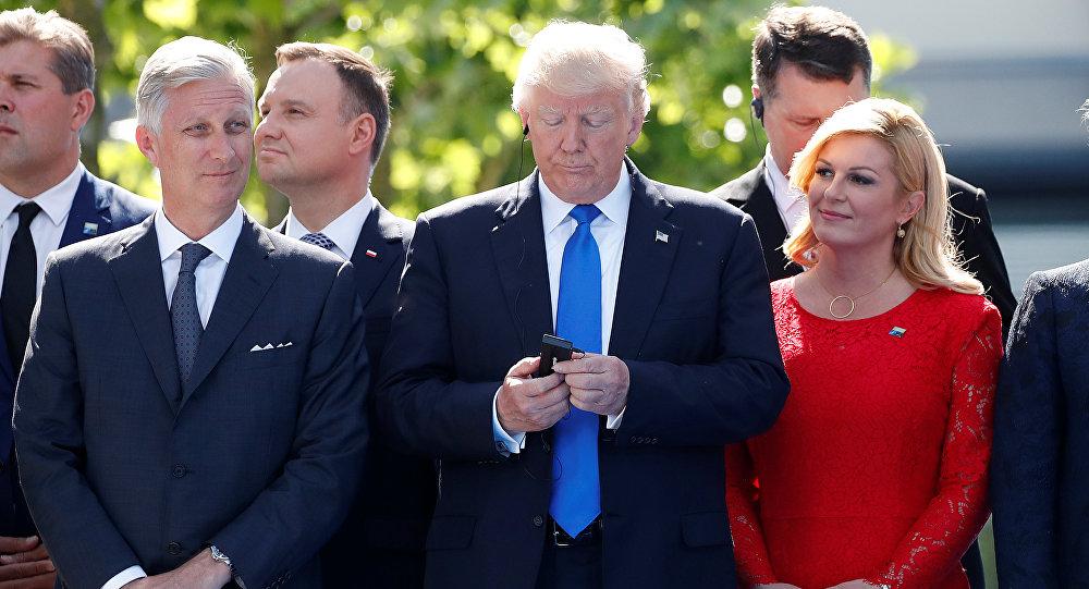 "Photo of هاتف ""ترامب"" يحتوي على تطبيق واحد فقط"