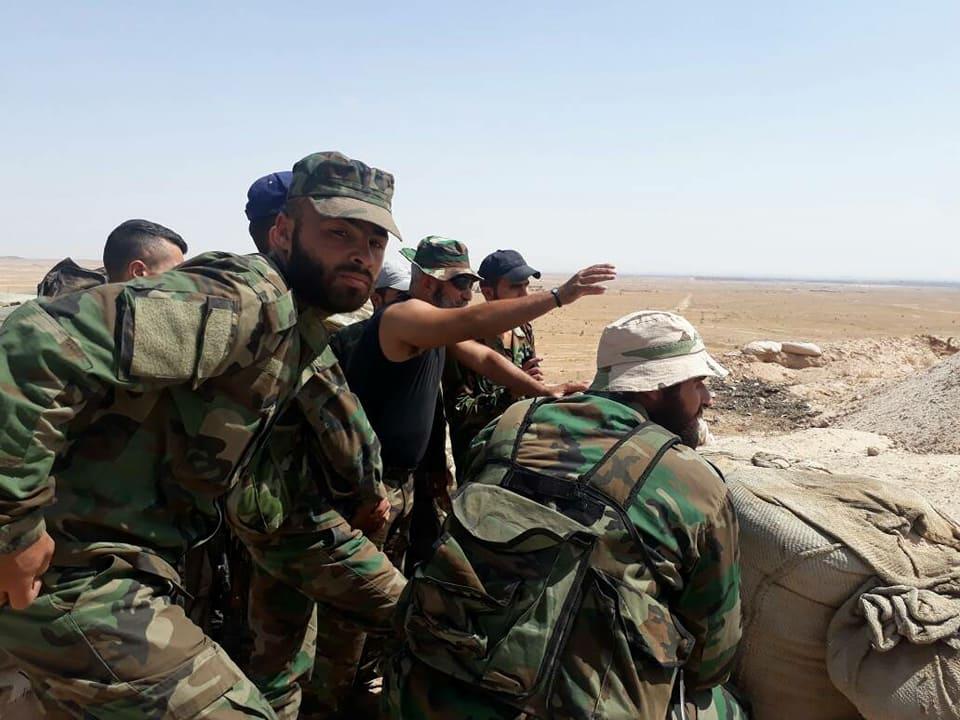 """Photo of """"الحرس الجمهوري"""" يتصدى لهجوم داعشي بدير الزور"""