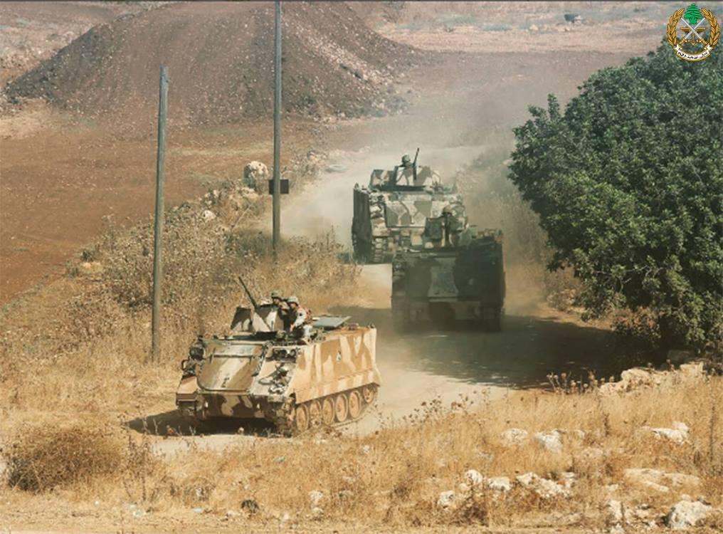 Photo of تفجير انتحاري يستهدف نقطة للجيش اللبناني
