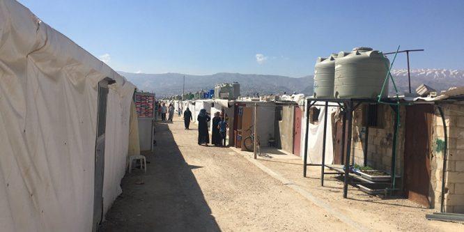 حريق كبير في مخيم للاجئيين السوريين في لبنان