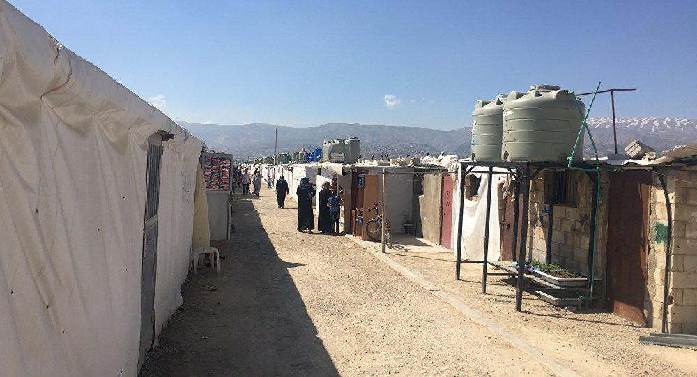 Photo of حريق كبير في مخيم للاجئيين السوريين في لبنان
