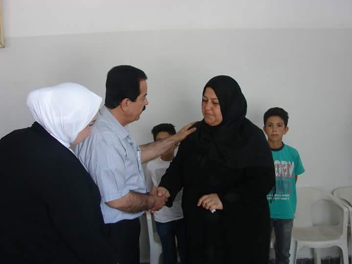 Photo of بالصور- محافظ القنيطرة يزور أسر الشهداء بالقنيطرة