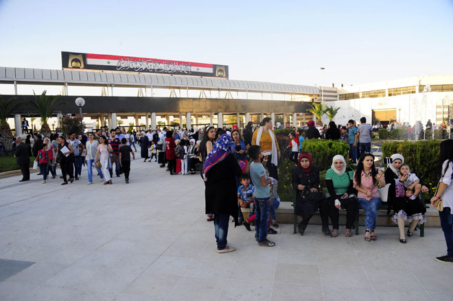 Photo of Information Minister Mohammad Ramez Tourjman: the cameras cover the massive turnout of visitors to Damascus International Fair