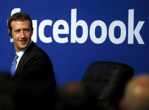 """Photo of الفيسبوك سوف يبدأ بإخفاء المنشورات العامة الغير مرغوب فيها من المستخدمين المشاركين """"بكميات هائلة في اليوم الواحد"""""""