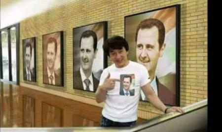 Photo of الممثل المشهور جاكي شان يضع صور للرئيس بشار الأسد في منزله