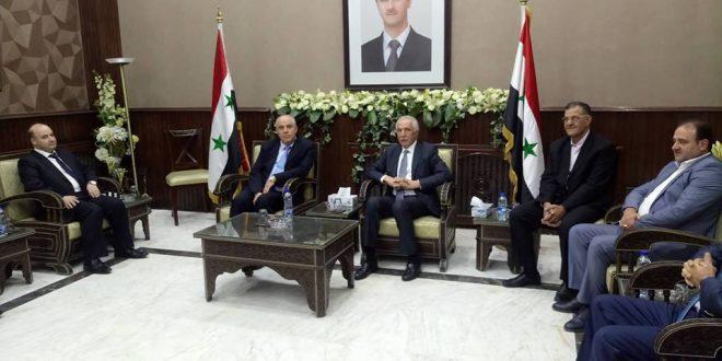 """Photo of توقيع اتفاقيات تعاون تجاري بين """"سوريا و لبنان"""""""