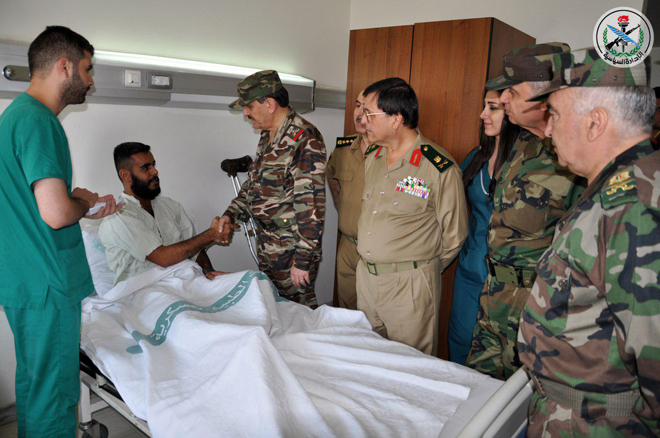 Photo of الفريج يزور جرحى الجيش بمشفى تشرين العسكري