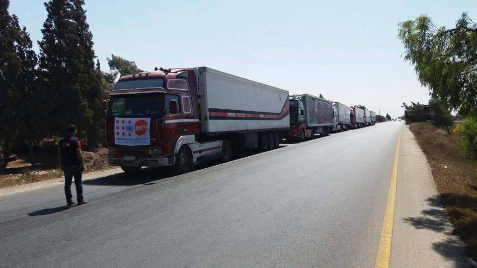 Photo of بالصور – برنامج الأغذية العالمي يرسل مساعدات برية لدير الزور